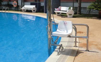 Arquitectura adapatada seg n alfonso for Sillas para piscina